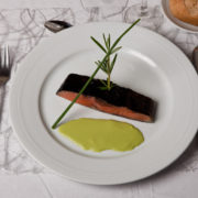 saumon confit -pomme verte et crème d'oseille